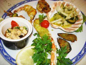 Antipasto con scampi cozze gamberetti e calamari Ristorante La Tana Maratea