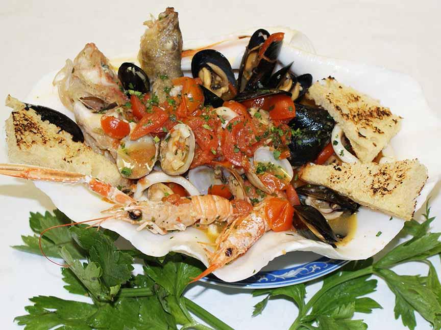 zuppa di pesce ristorante la tana maratea