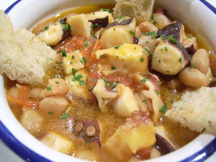 Zuppa di Polipi e Fagioli ristorante la Tana Maratea