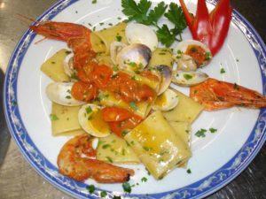 Paccheri gamberi e vongole ristorante la Tana Maratea